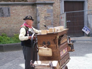 The Barrel-Organ Man of Bruges (An Act Not to be Missed)